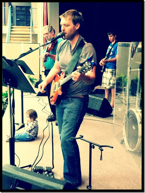 travis guitar